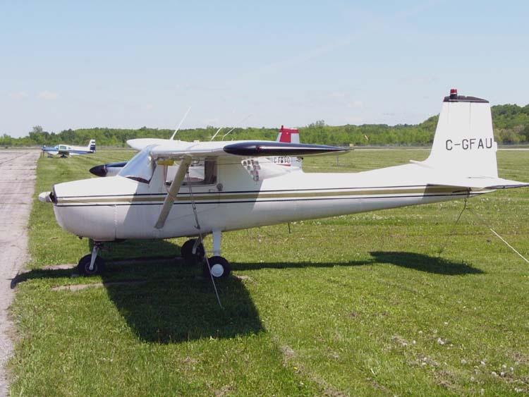 Cessna_150E_(C-GFAU)