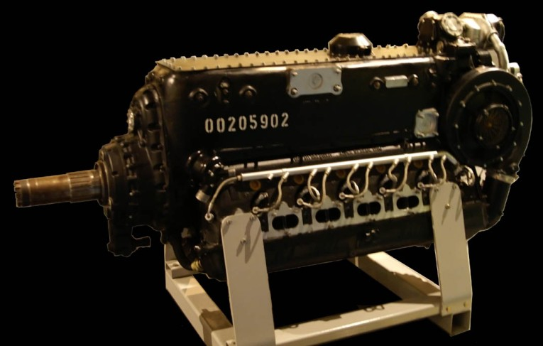 Daimler-Benz_DB_605_airplane_engine