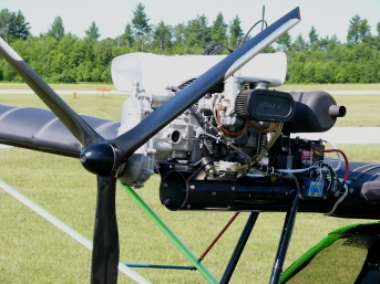 Flightstar_II_C-IGRH_Rotax_503_engine_03