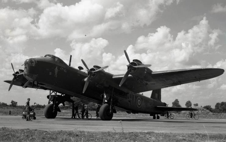Short-Stirling-photo