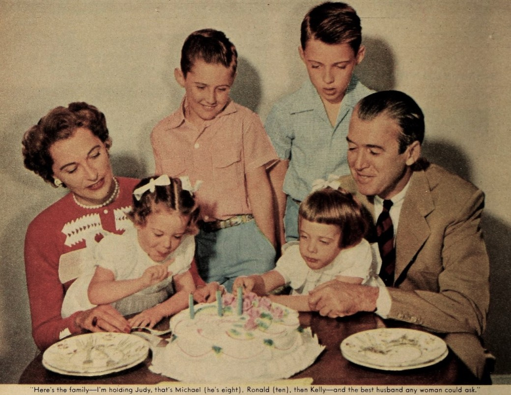 gloria_hatrick_mclean_and_her_family2c_august_1954