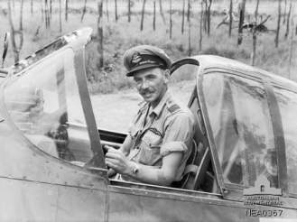wing_commander_cook_of_5_squadron_raaf_at_mareeba_march_1944_awm_nea0367